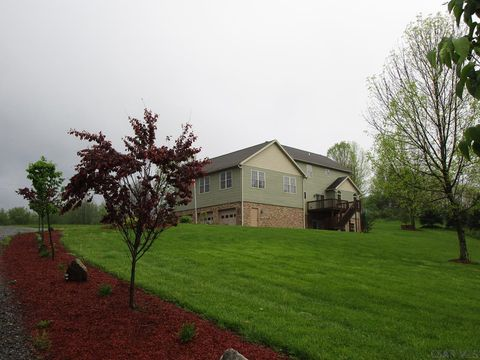 Photo of 153 Sally Rd, Johnstown, PA 15906