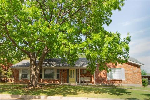Photo of 6928 Valhalla Rd, Fort Worth, TX 76116