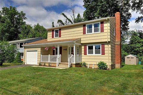 214 Daniel Rd, Hamden, CT 06517. House For Sale