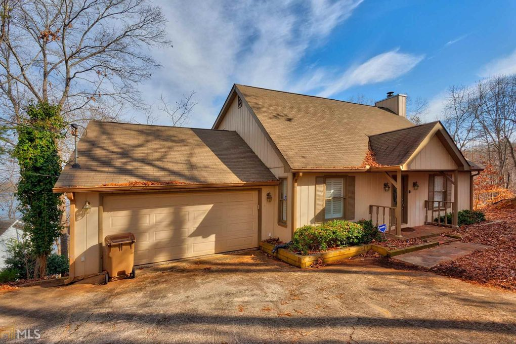 4224 Twin Rivers Dr, Gainesville, GA 30504