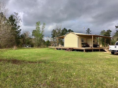 2103 Eastwood, Thicket, TX 77374