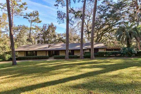 Photo of 3476 Lakeshore Dr, Tallahassee, FL 32312