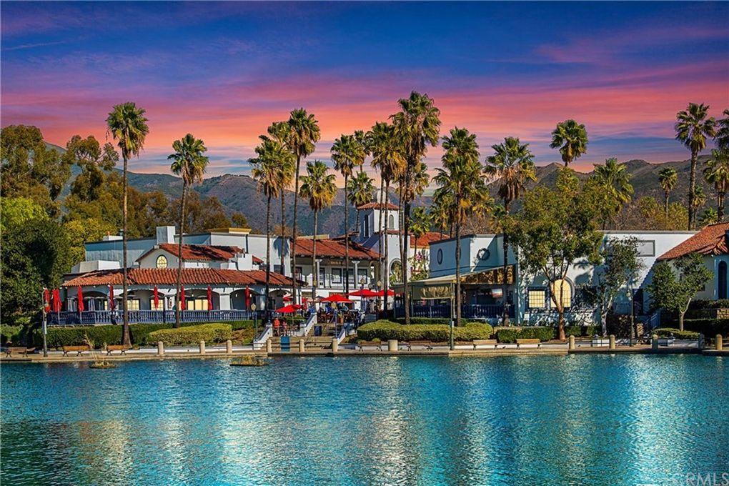 15 Via Acuatica Rancho Santa Margarita, CA 92688