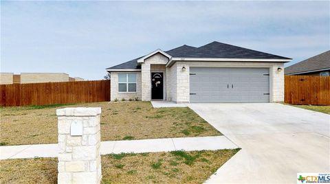 Photo of 902 2nd St, Cuero, TX 77954