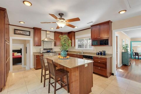 1414 N 10th Ave, Pensacola, FL 32503
