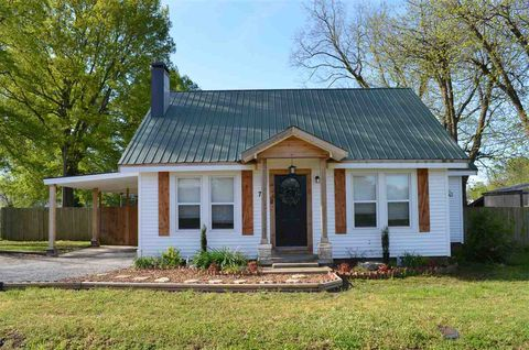 Photo of 73 W Vine St, Alamo, TN 38001