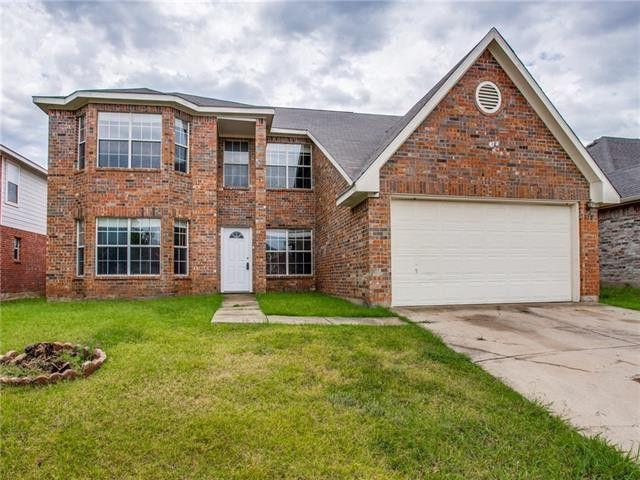 310 Quail Meadows Ln Arlington, TX 76002