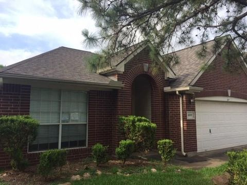 Photo of 9507 Willow Trace Ct, Houston, TX 77064