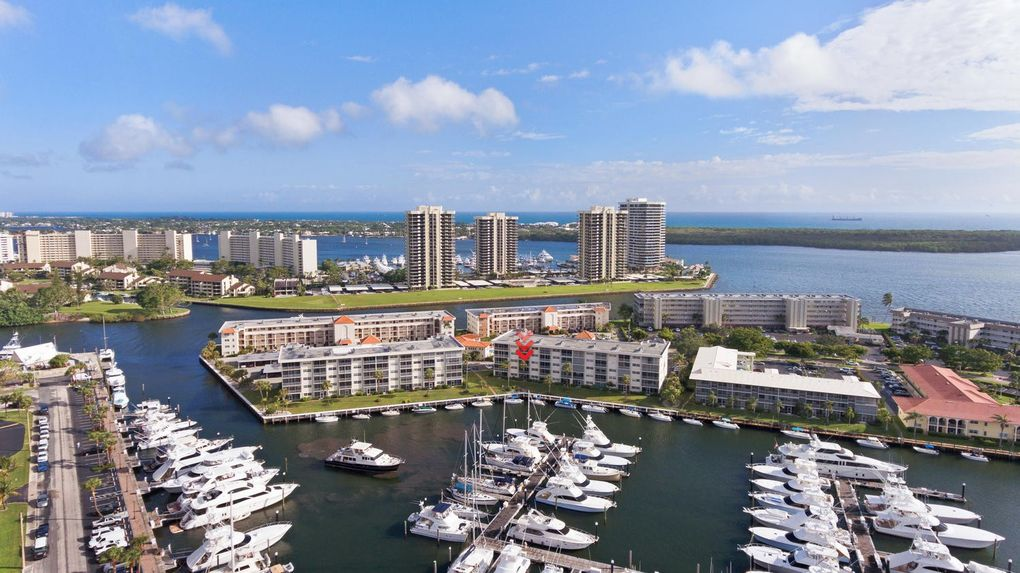 29 Yacht Club Dr Apt 307, North Palm Beach, FL 33408
