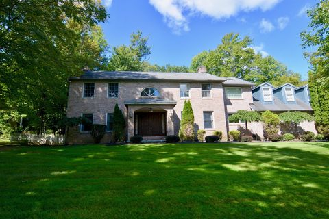 Photo of 45 Dublin Dr, Niskayuna, NY 12309