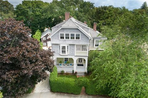 Photo of 58 58 5 Ayrault St, Newport, RI 02840