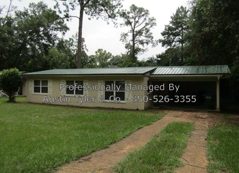 Photo of 3037 Noland St, Marianna, FL 32446