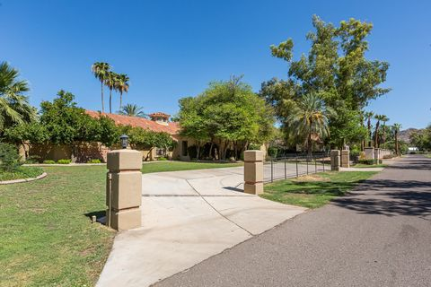 Photo of 49 Biltmore Est, Phoenix, AZ 85016