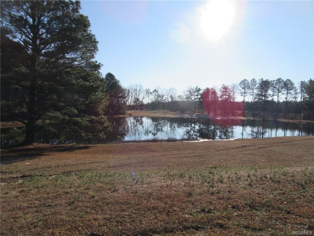 12309 Courthouse Rd Dinwiddie, VA 23841