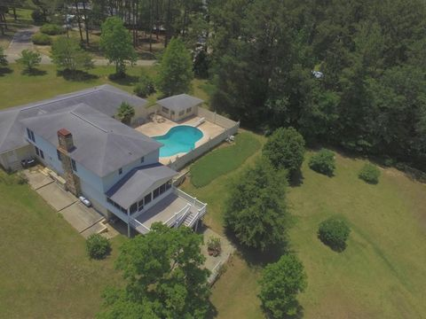 Photo of 23 Plum St E, Hazlehurst, GA 31539