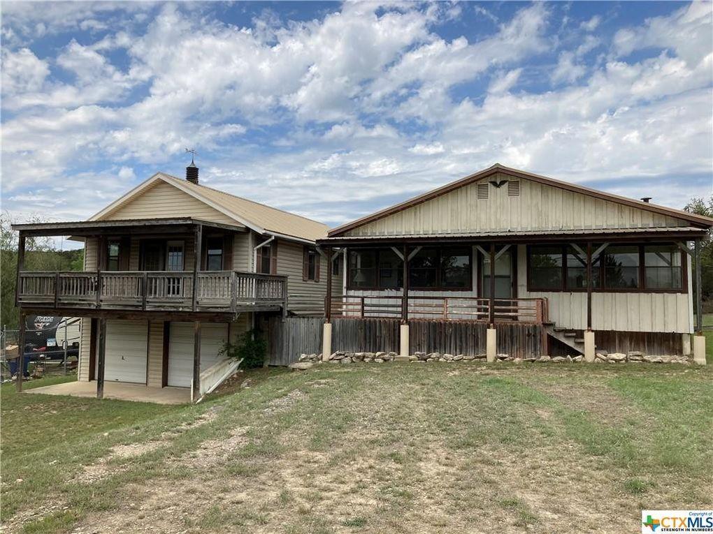1582 Canyon Trce Canyon Lake, TX 78133