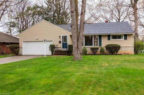 398 Cary Jay Blvd, Richmond Heights, OH 44143