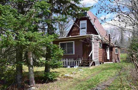 Photo of 1602 Morin Rd, Guildhall, VT 05905