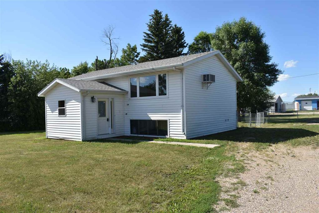 119 4th Ave NW Garrison, ND 58540