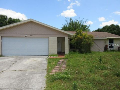 Photo of 401 Lakeview Dr, Oldsmar, FL 34677