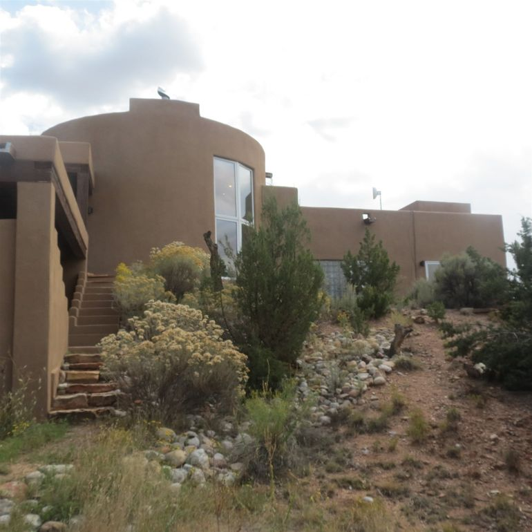 8 Placita Anita Santa Fe, NM 87506