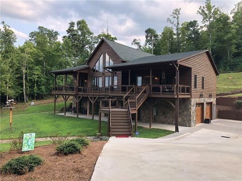 Photo of 127 Hunters Run Ct, McGrady, NC 28649