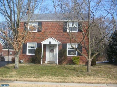 12 Beatrice Dr, Rosemont, PA 19010