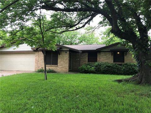 Photo of 132 Nw Jayellen Ave, Burleson, TX 76028