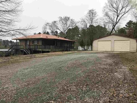 Photo of 925 Railroad Dr, Hayden, AL 35079
