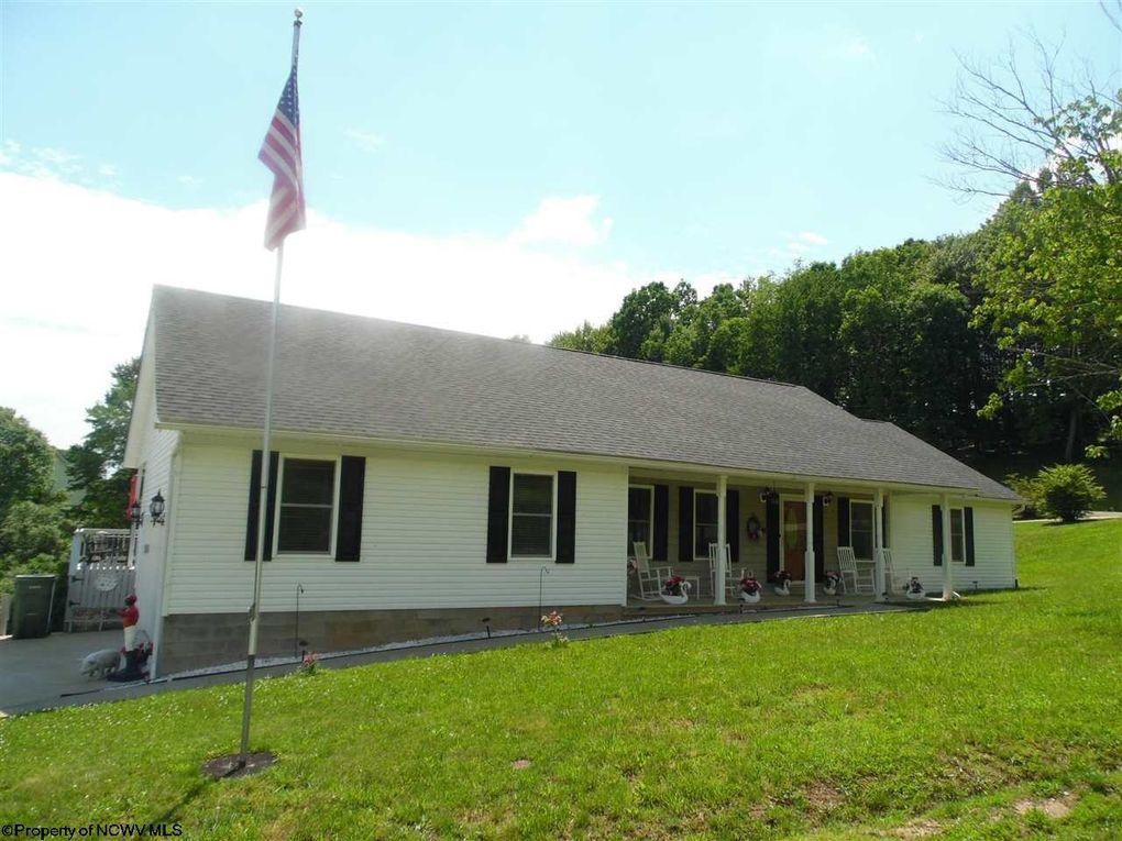 335 Deer Creek Lane Ests Buckhannon, WV 26201