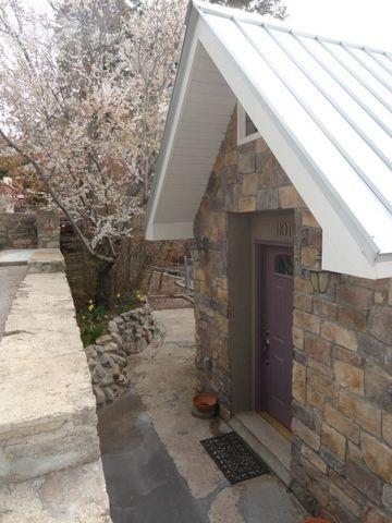 Photo of 1101 Victoria Ave, Cloudcroft, NM 88317