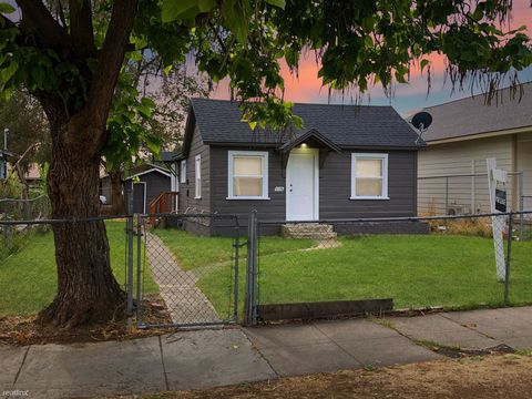 Photo of 1516 Fairbanks Ave, Yakima, WA 98902