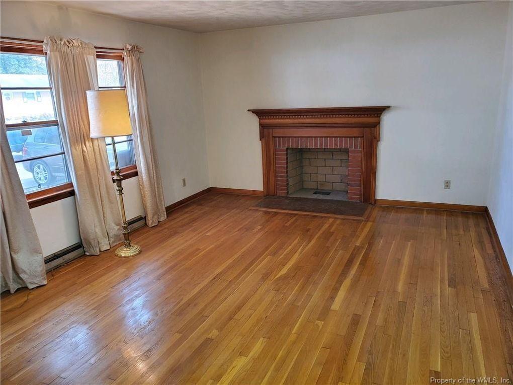 27 Nutmeg Quarter Pl Newport News Va, Flooring Newport News Va