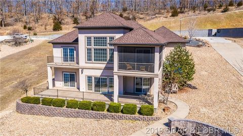 Photo of 102 Pinnacle Point Dr, Climax Springs, MO 65324