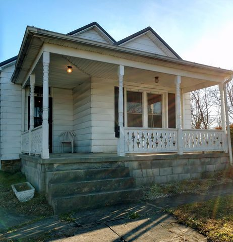 Photo of 111 Fleetwood Rd, Middlesboro, KY 40965