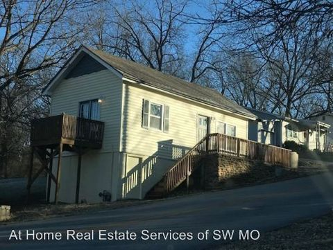 Photo of 2933 E Republic Rd, Springfield, MO 65804