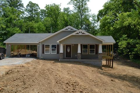 Photo of 104 W Red Bud Rd, Knoxville, TN 37920