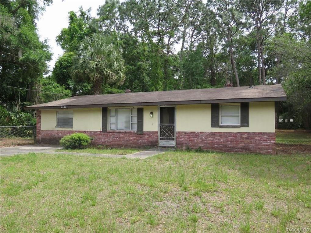 9646 W Poplar St, Crystal River, FL 34428