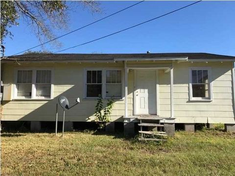 2876 Pages Ln, Mobile, AL 36607