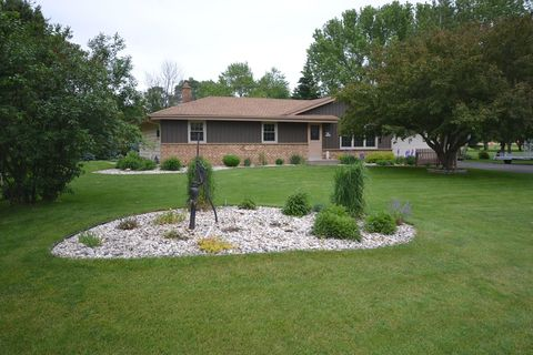 Photo of N95 W25066 Whitewater Dr, Colgate, WI 53017