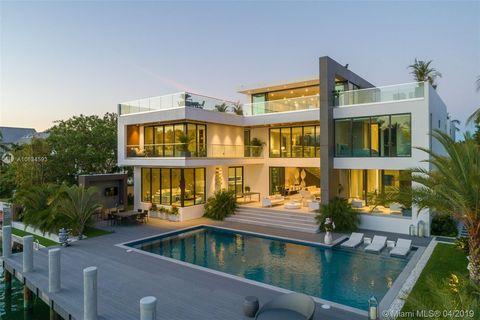 Swell Cape Florida Key Biscayne Fl Real Estate Homes For Sale Interior Design Ideas Gresisoteloinfo