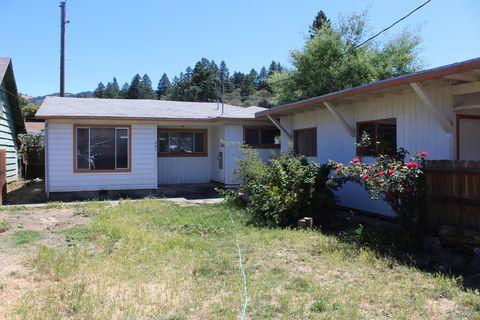 Photo of 701 Locust St, Garberville, CA 95542