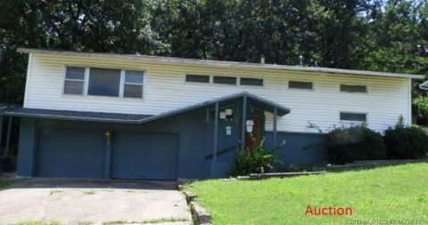 Enjoyable 74106 Real Estate Homes For Sale Realtor Com Home Interior And Landscaping Palasignezvosmurscom