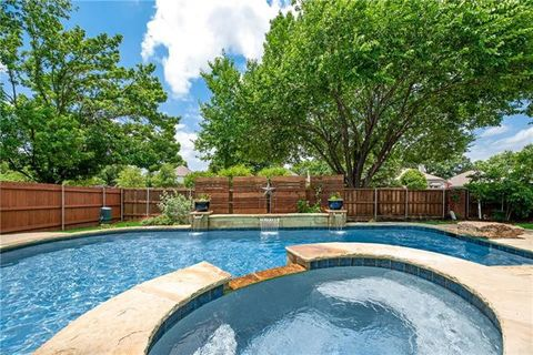 Photo of 2733 Silver Maple Ct, Flower Mound, TX 75028
