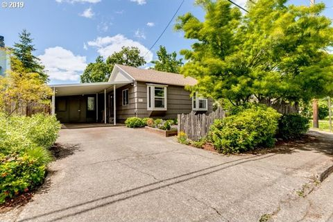 Photo of 1830 Garfield St, Eugene, OR 97405
