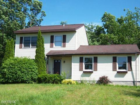 Photo of 801 Ravine Rd, Schenectady, NY 12309