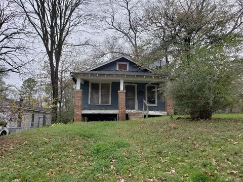 2934 Harp St, Shreveport, LA 71103
