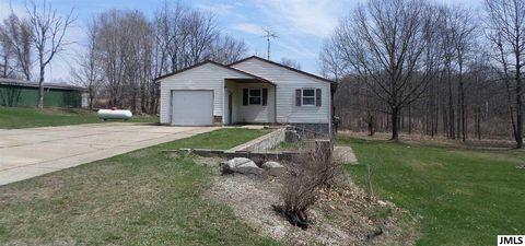 Photo of 9931 S Clinton Trl, Eaton Rapids, MI 48827