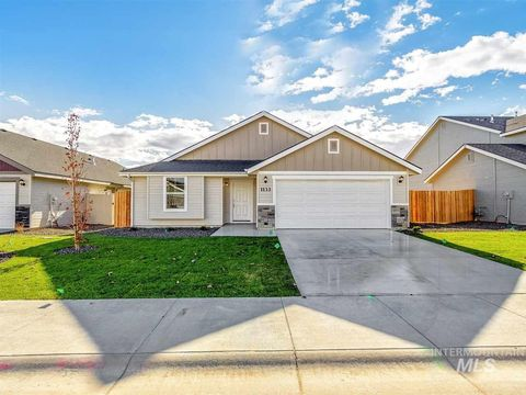 Photo of 740 Sw Inby St, Mountain Home, ID 83647