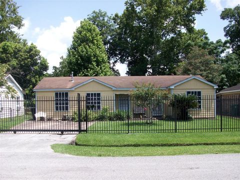 Strange 77076 Real Estate Homes For Sale Realtor Com Complete Home Design Collection Barbaintelli Responsecom